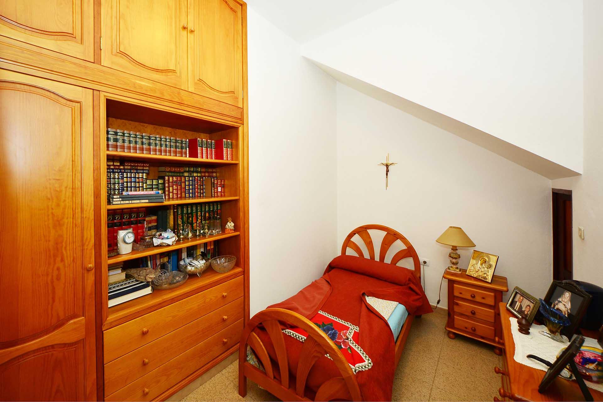 Schlafzimmer Kolonialstil. Bettwäsche Nicky Plüsch Wandgestaltung ...