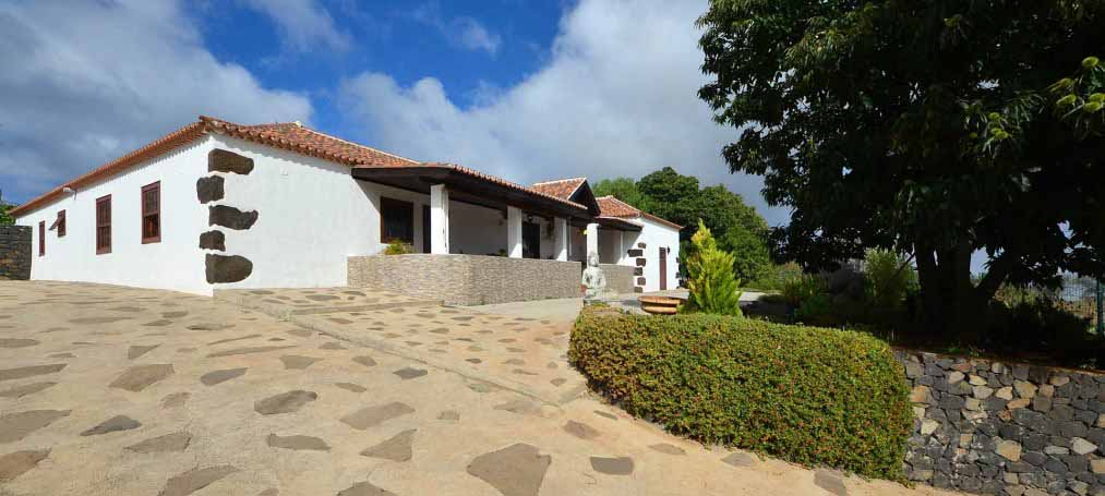 Large canarian house in the village of Puntagorda