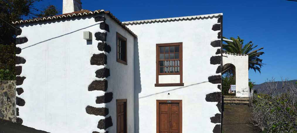 Large, well renovated, authentic Canarian Finca