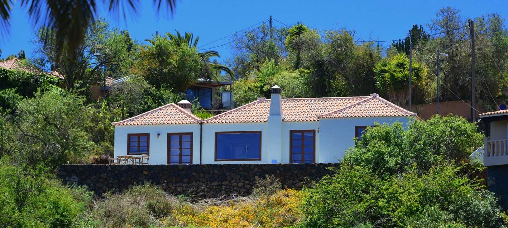 Excellent built detached house on the edge of Puntagorda