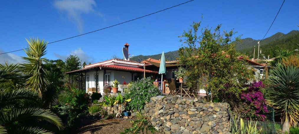 Lovingly restored Canarian house in La Punta